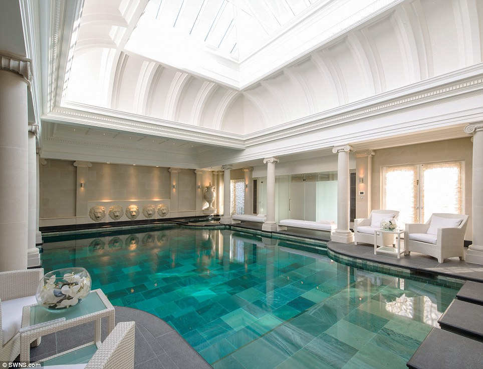 Mansion In London Is On Sale For 60 Million Photo 2 Ee24