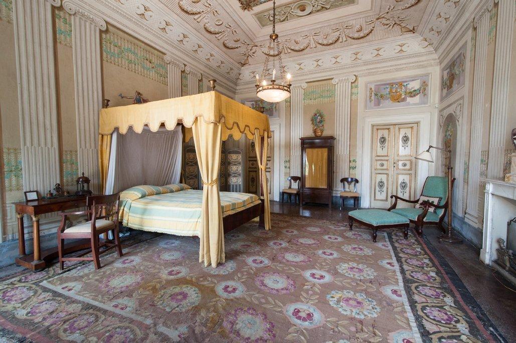 Villa reale di marlia sold ee24 for Villa arredamenti milano