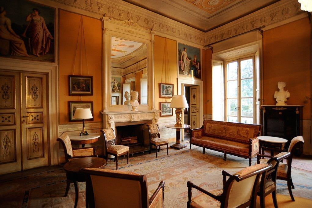 Villa reale di marlia sold ee24 for Lionard real estate