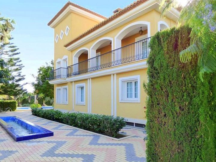 Villa in city Alicante