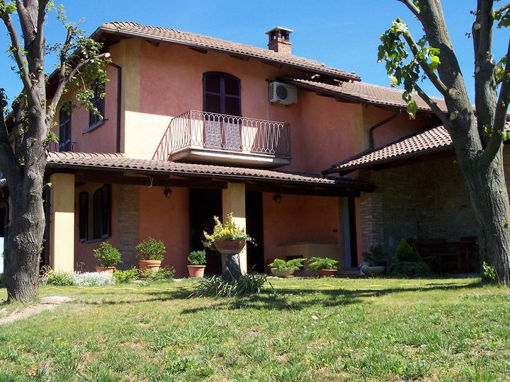 Villa in city Asti