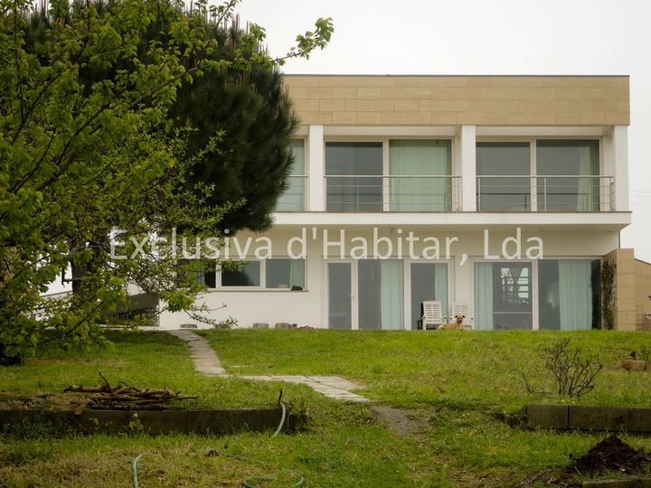 Detached house in city Aveiro