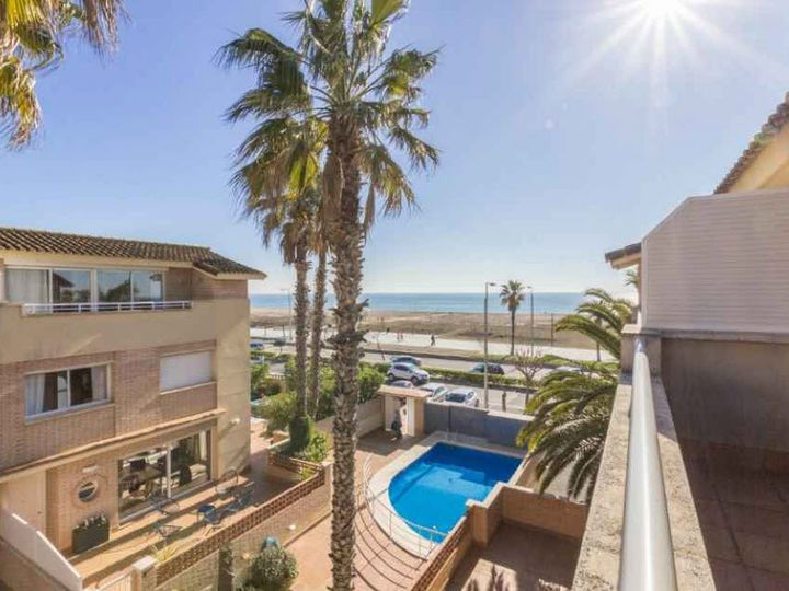 Townhouse in city Castelldefels