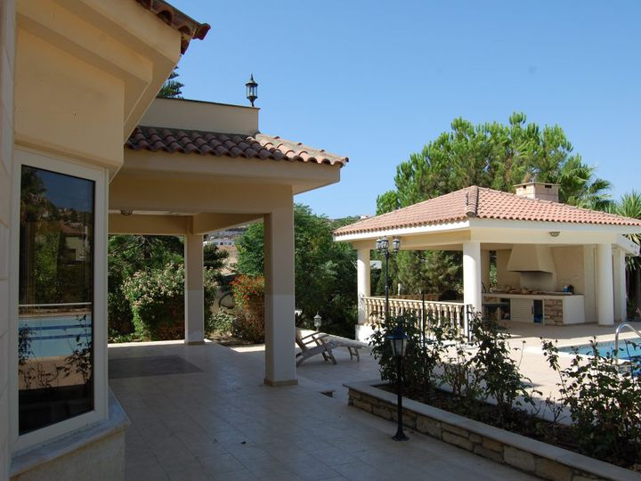 Villa in city Pyrgos