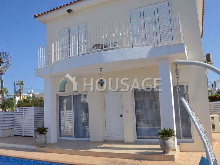 Detached house in city Protaras