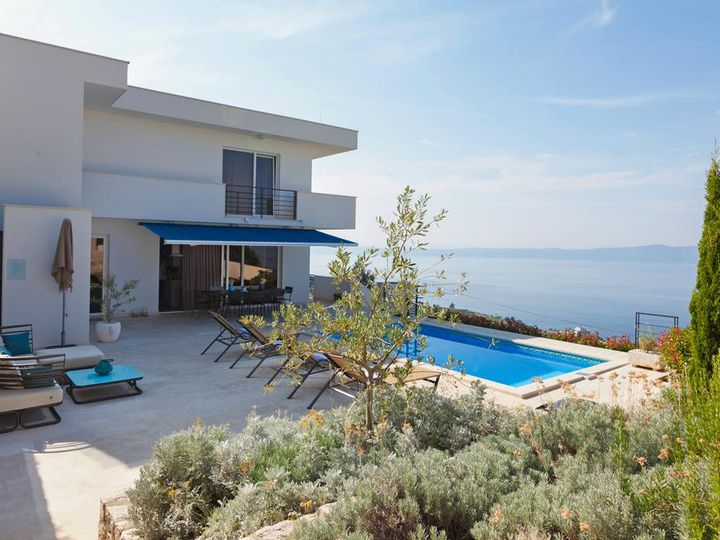 Villa in city Makarska
