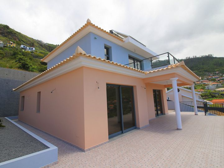 Villa in city Arco da Calheta