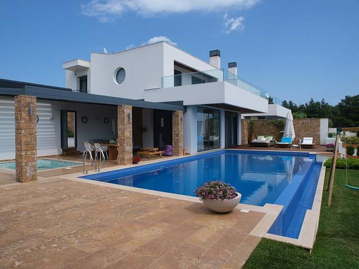 Villa in city Fourka