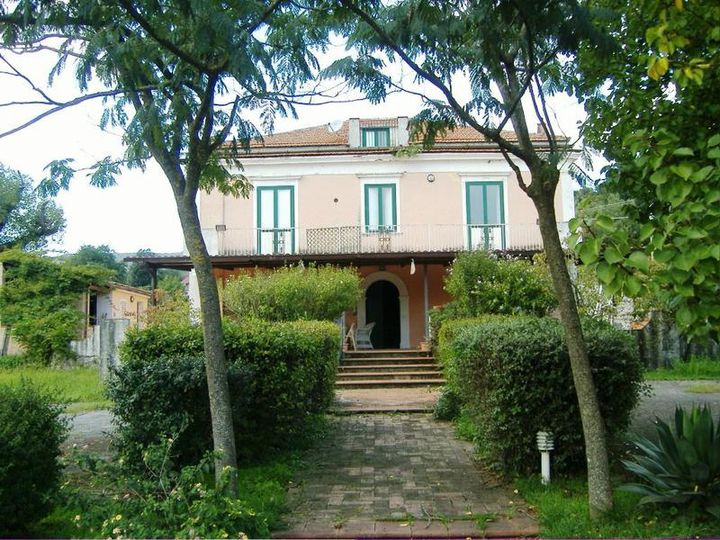 Detached house in city Maratea