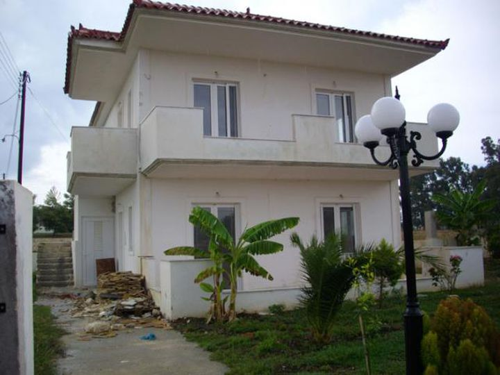 Detached house in city Mouzaki