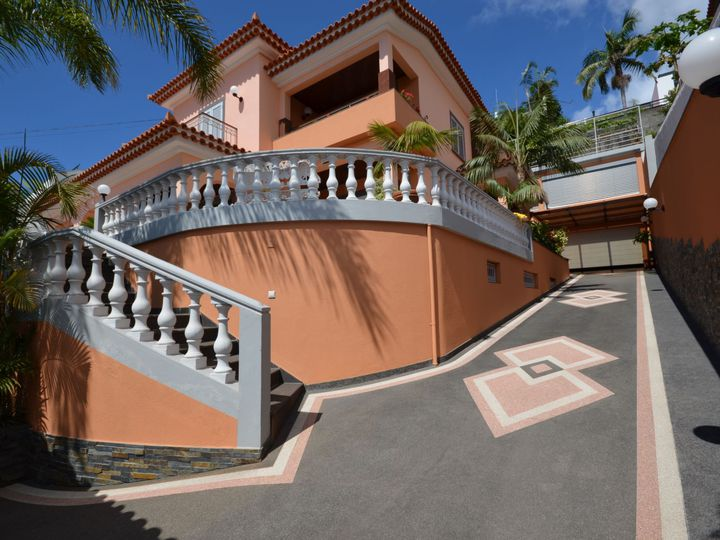 Villa in city Funchal