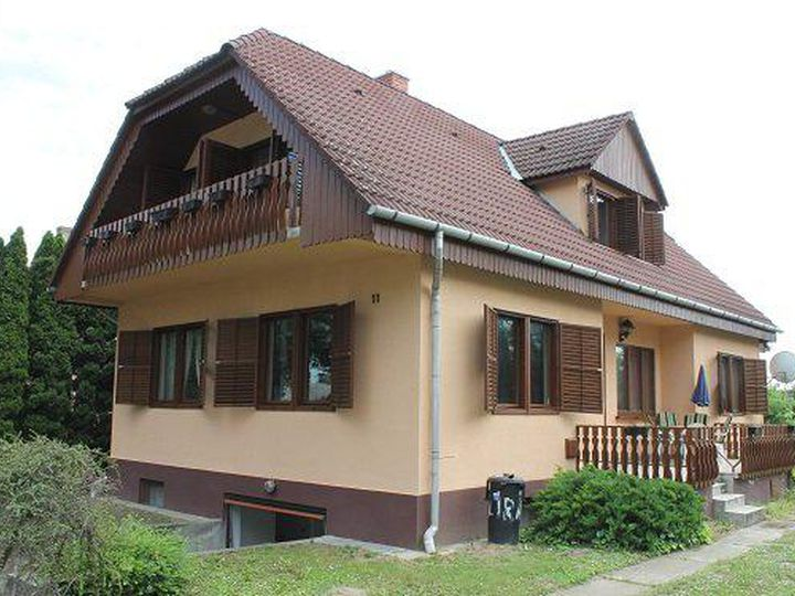 Detached house in city Balatonbereny