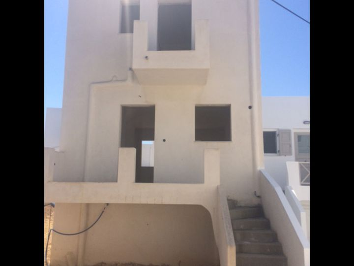 Townhouse in city Ano Syros