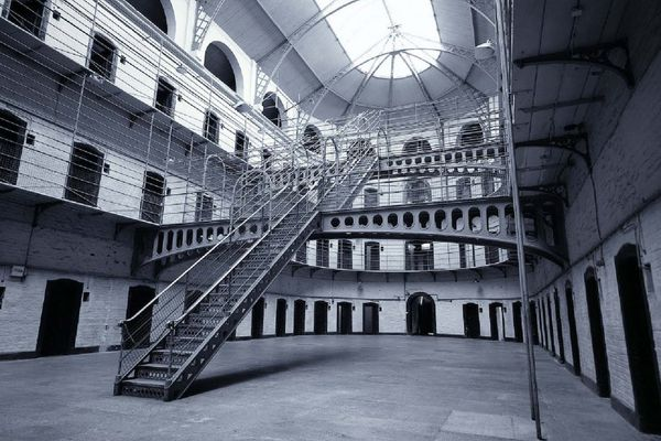 Italian authorities want to sell the old prisons to built the new ones