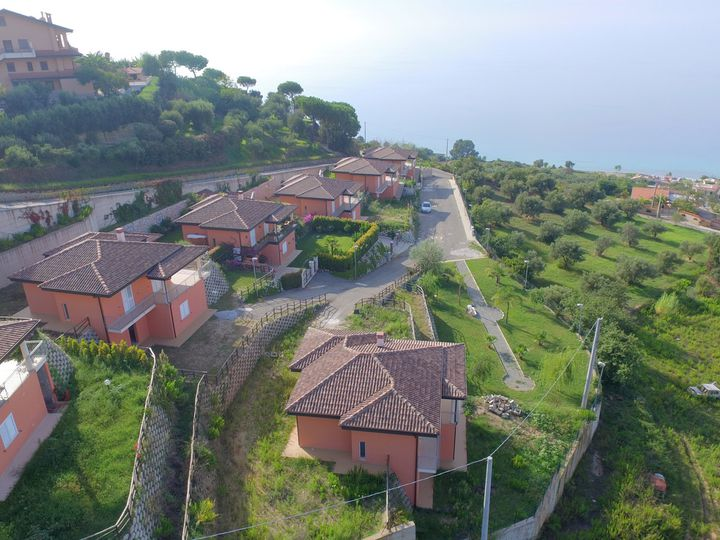 Detached house in city Zambrone