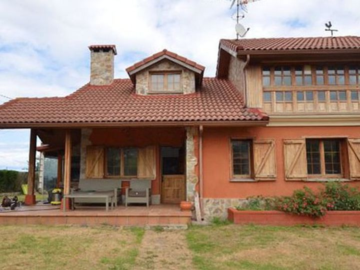 Chalet in city Cudillero