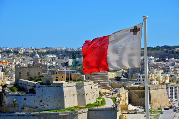 MIIP (Malta Individual Investor Program): the residence permit for 8-11 days, citizenship for 12-14 months