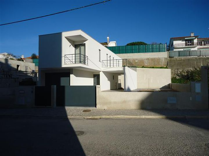 House in city Sesimbra