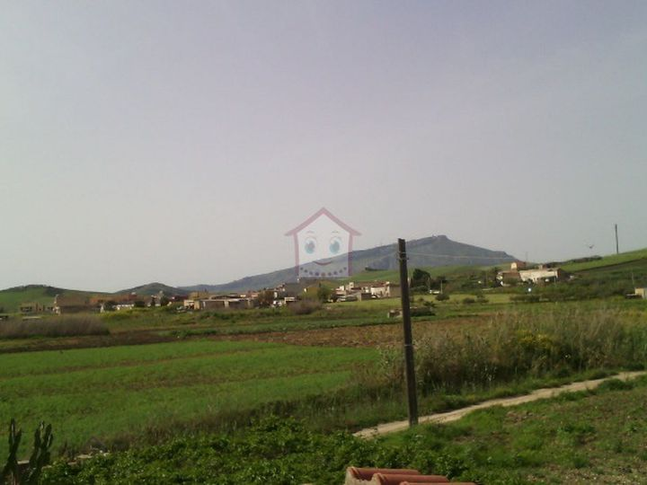 Detached house in city Trapani