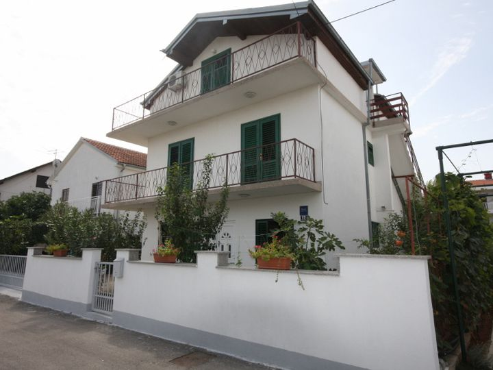 Detached house in city Vodice
