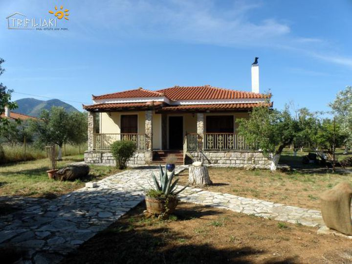 Detached house in city Kalamata