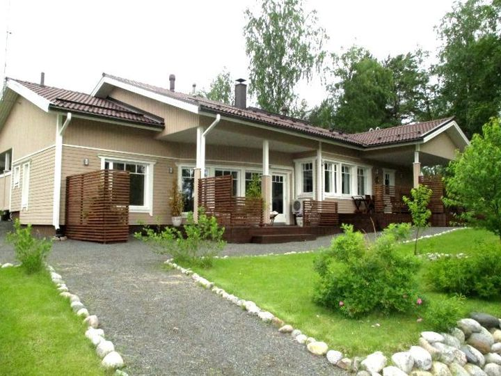 Detached house in city Kangasniemi