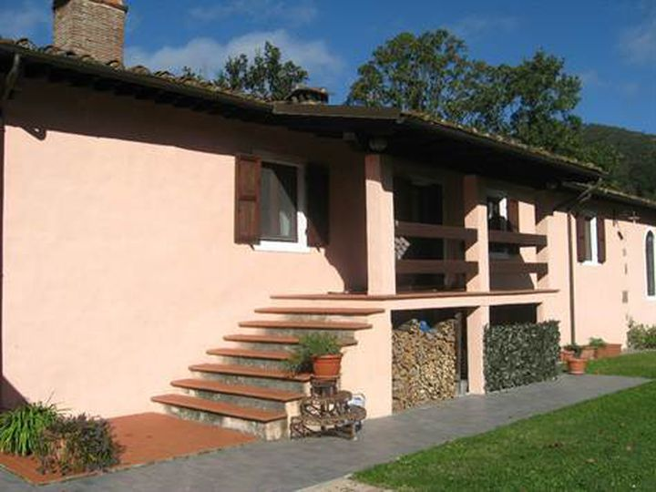 Detached house in city Borgo a Mozzano