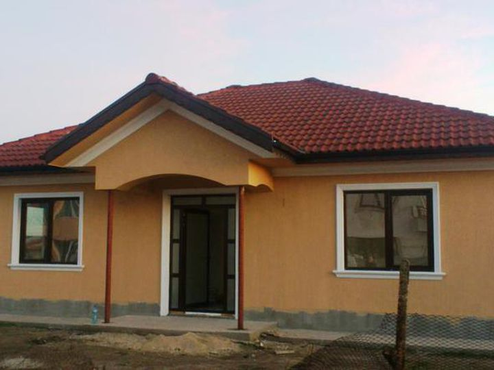 Detached house in city Kamenar