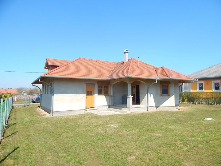 Bungalow in city Balatonbereny