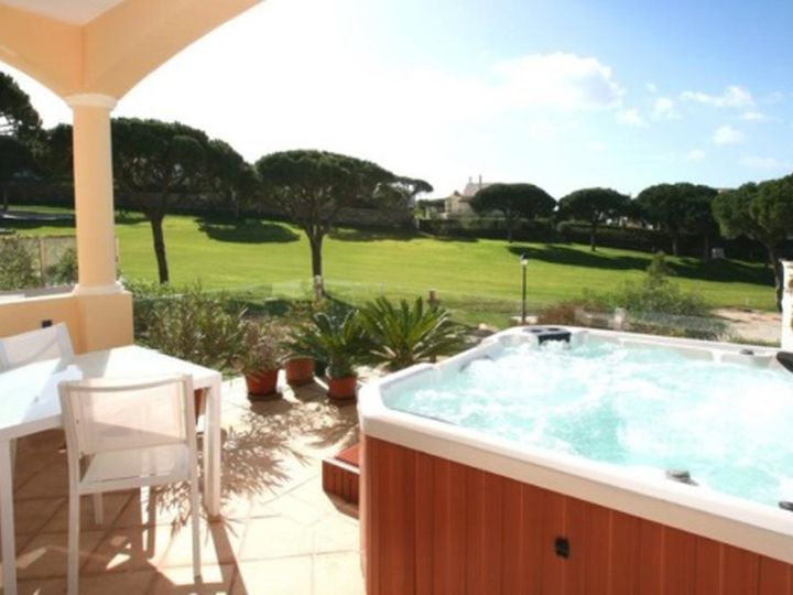 Apartment in city Vale de Lobo