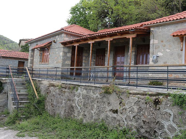 Detached house in city Korinthos
