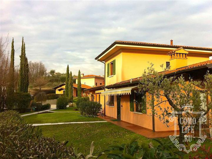 Townhouse in city Soiano del Lago