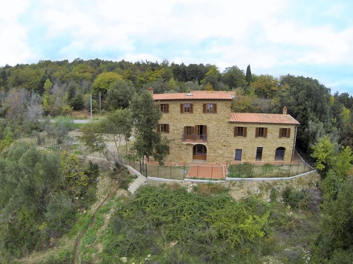 Estate in city Monteverdi Marittimo