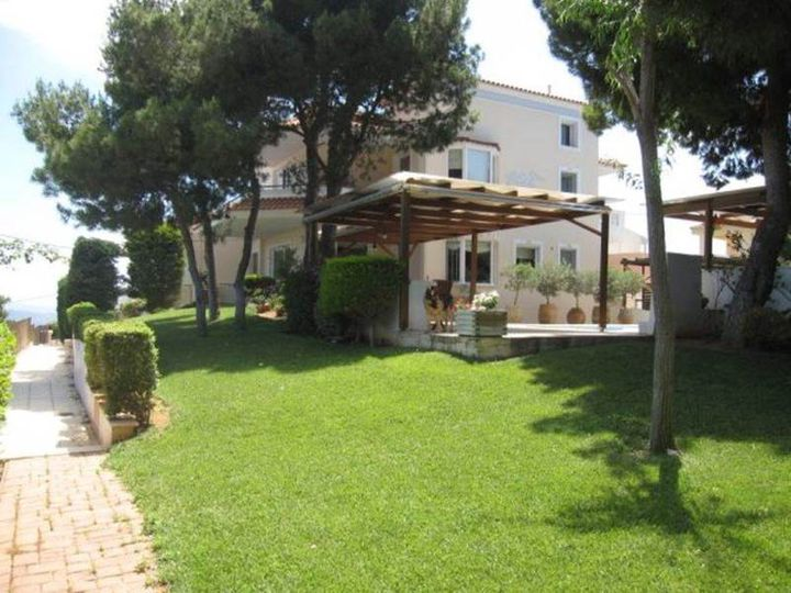 Detached house in city Rafina