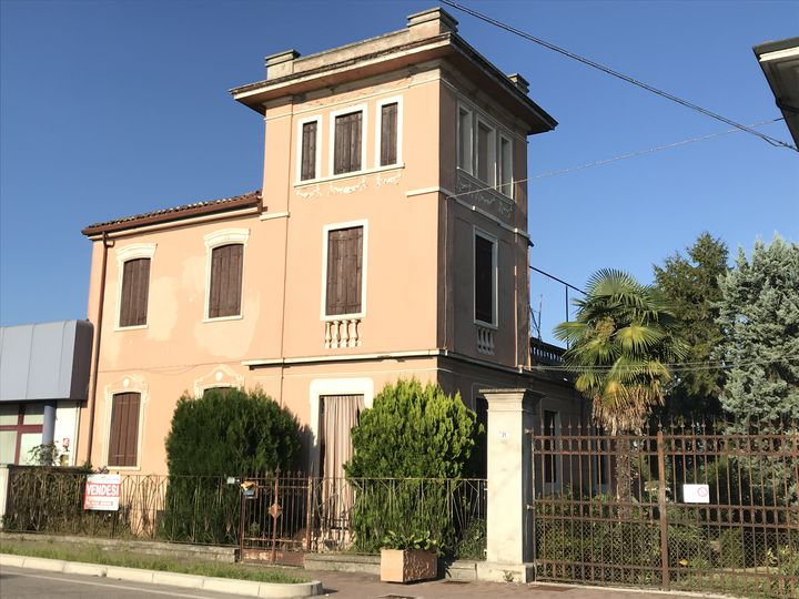 House in city Castagnaro