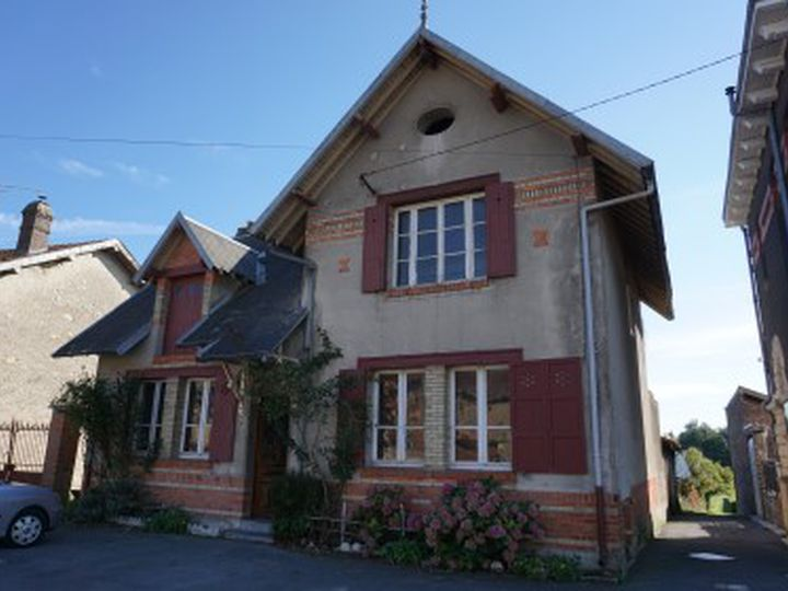 House in city Saint-Juvin