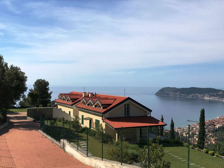 Villa in city Alassio