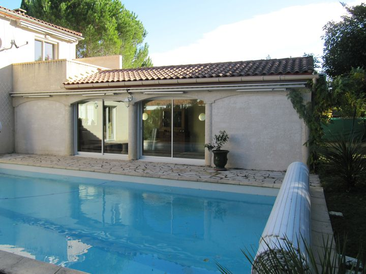 Detached house in city Montpellier