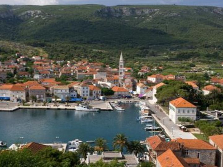 Land in city Hvar
