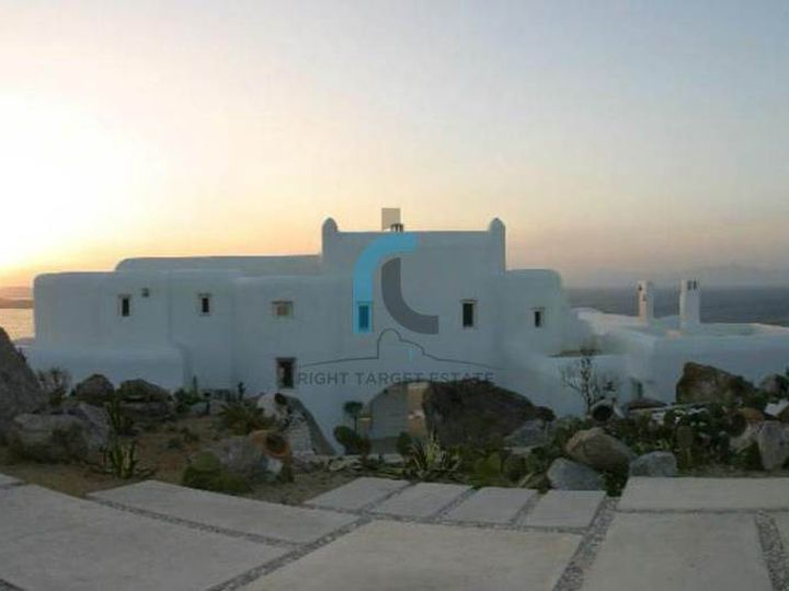 Detached house in city Mykonos