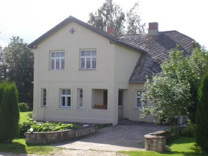 Detached house in city Jaunrauna