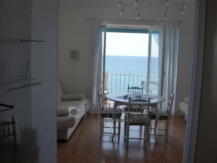 Apartment in city Vallecrosia