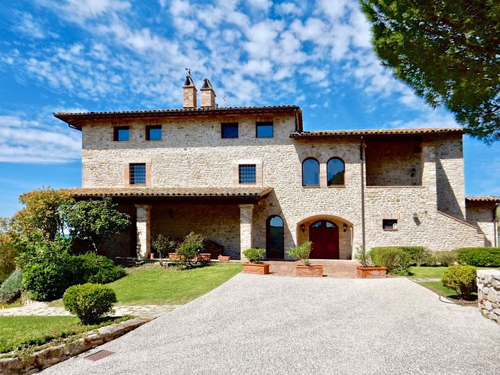 Villa in city Todi