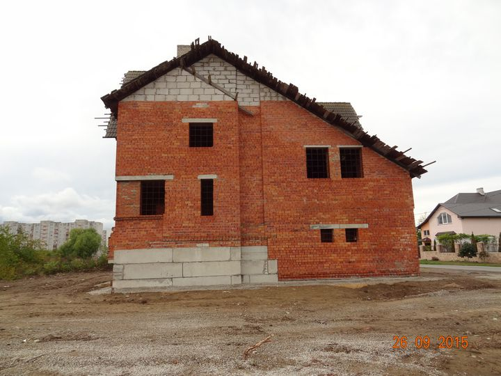 Detached house in city Narva