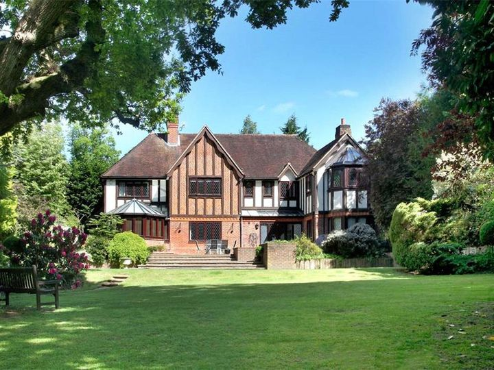 Detached house in city Sunningdale