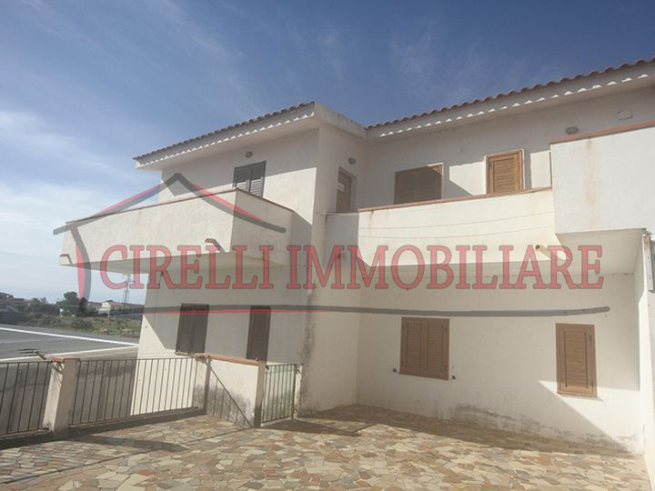 Townhouse in city Scalea