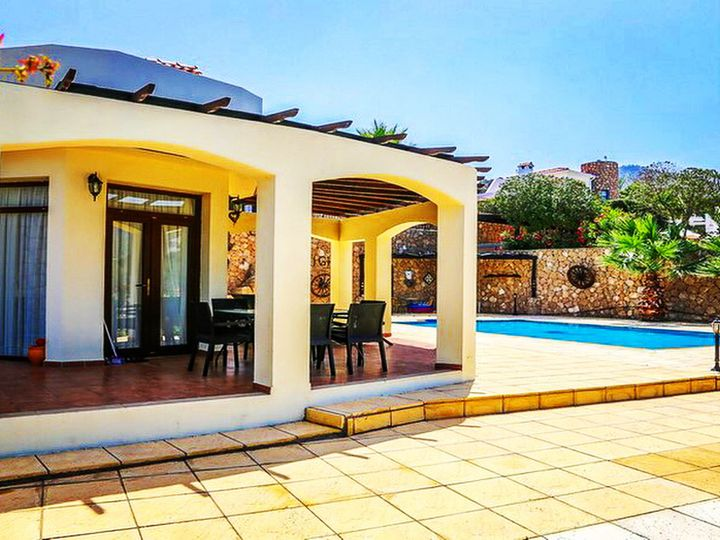 Villa in city Kyrenia (Girne)