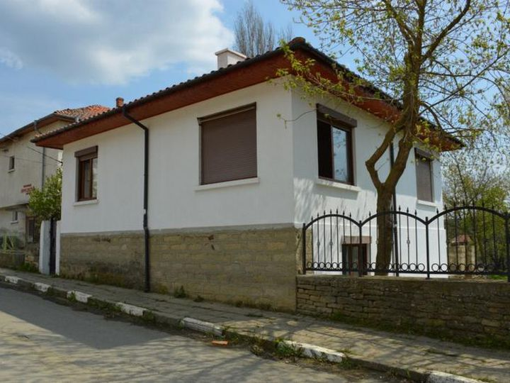 Detached house in city Sungurlare