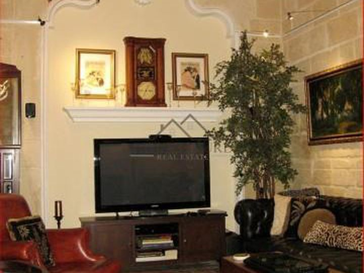 Townhouse in city Valletta