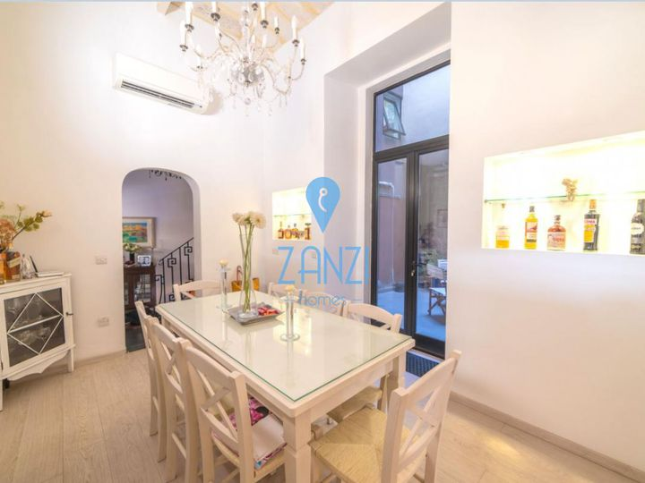 Detached house in city Attard